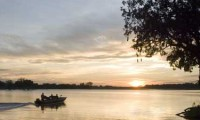 Boat cruises on the Luangwe